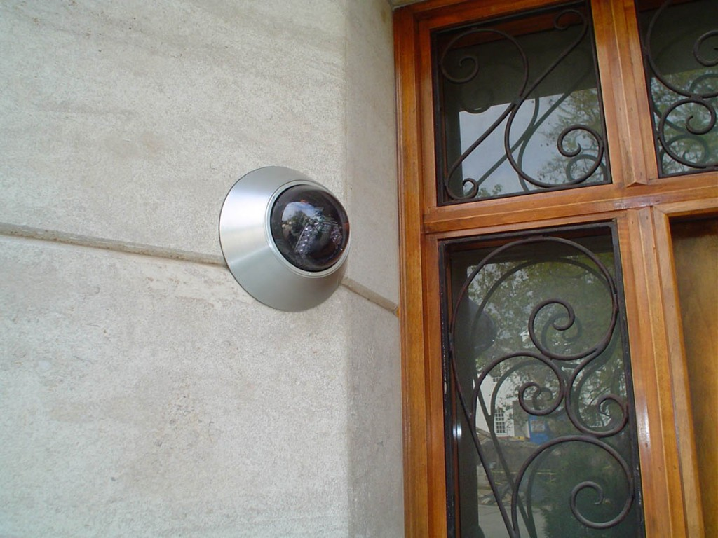 Solved best places to put security cameras in home for Door video camera